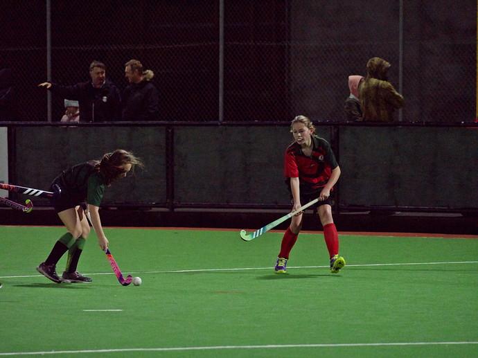 NIGELSWAN GirlsHockey 1233001-output