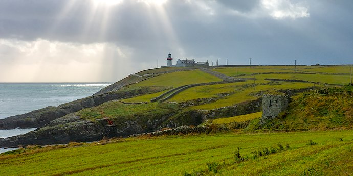 191208 lighthouse_galley head_cork_ireland