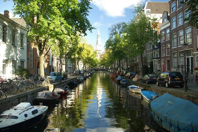 amsterdam-median