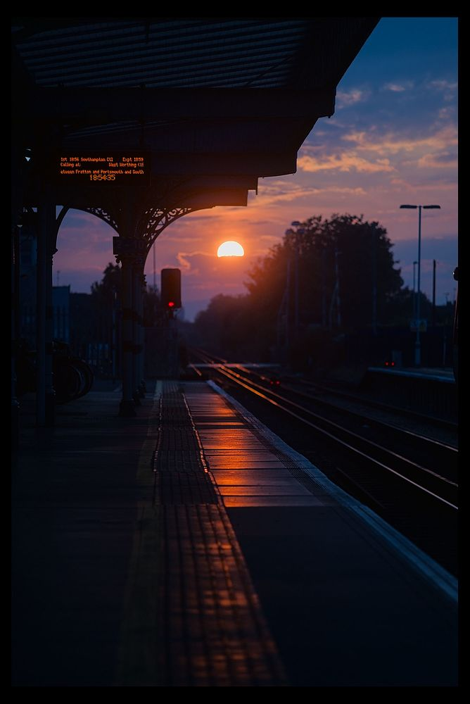 Sunset at the train station_DSC09499