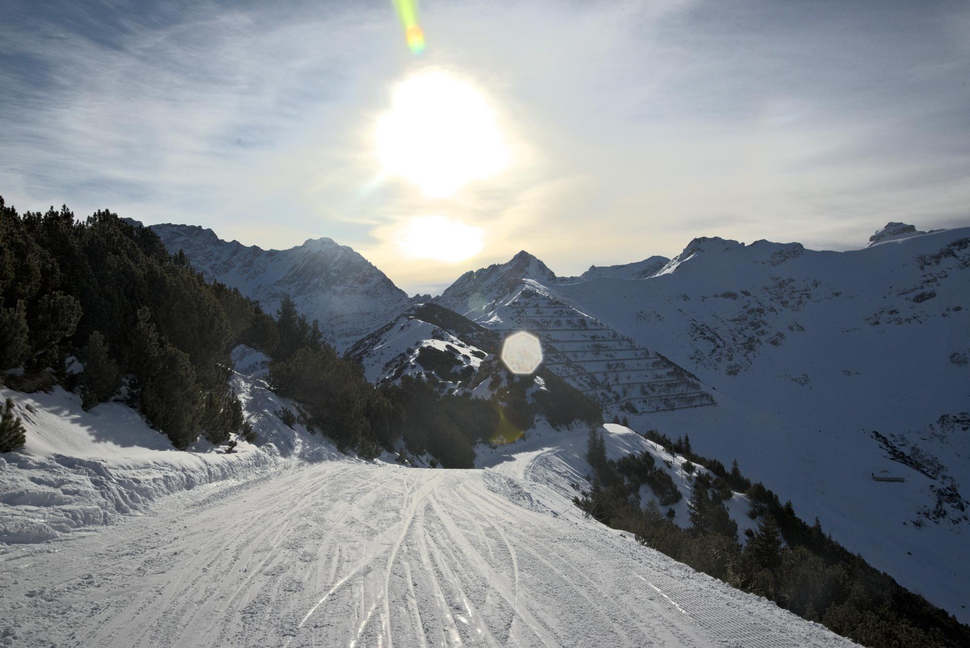 ski-scene-rawconvert